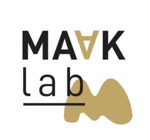 <span>Identity Maaklab</span><i>→</i>
